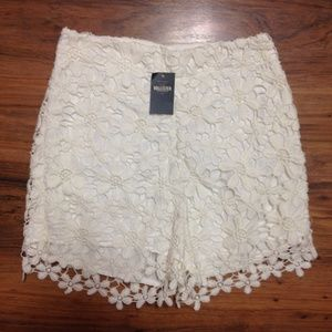 Hollister Lace Shorts Size 00 NWT